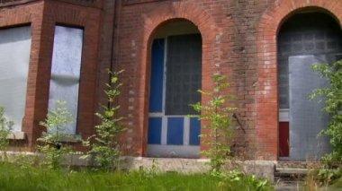 Deserted community houses — Stock Video