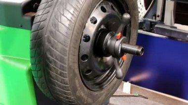 Wheel balancing machine — Stock Video
