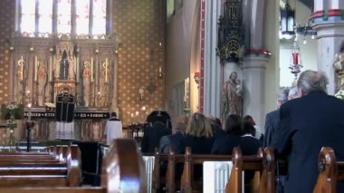 Funeral mass in the church — Wideo stockowe