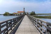 Starý dřevěný most na kanále — Stock fotografie