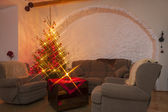 гостиная и блестящие освещенной елки — Стоковое фото