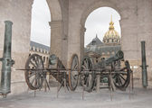 Ancient cannon in the Invalides museum in Paris — Stock Photo