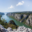 "Danube gorge ""iron gate"" on the Serbian-Romanian border — Stock Photo"