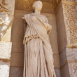 Statue of facade of the library of Celsus — 图库照片