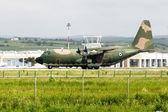 军队飞机停在机场 — 图库照片