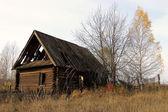 Antiga casa rural vazia. — Foto Stock