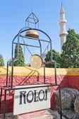 Isla de rodas, mezquita solimano y monumento — Foto de Stock