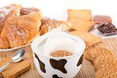 Latte e biscotti — Foto Stock