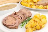 Roast-beff with potatoes — Stock Photo