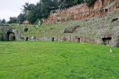Amphitheater roman at Sutri — Stockfoto