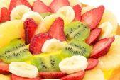 Kremem śmietaną i świeżymi owocami — Zdjęcie stockowe