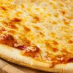 Classic Homemade Italian Cheese Pizza — Stock Photo #19968173