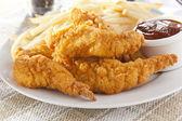 Organik çıtır tavuk şeritler — Stok fotoğraf