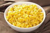 Macaroni and Cheese in a bowl — Stock Photo