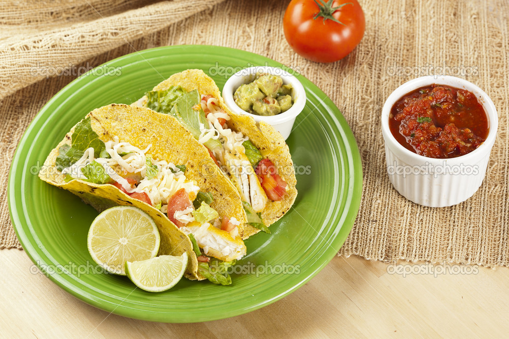 Homemade fresh fish tacos on a green plate — Stock Photo #20174971