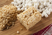 Marshmallow crispy rice behandla — Stockfoto