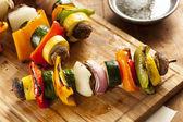 有机烤蔬菜烤羊肉串 — 图库照片