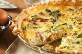 Homemade Spinach and Bacon Egg Quiche — Stock Photo