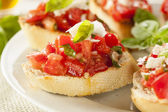 Homemade Tomato and Basil Bruschetta — Stock Photo