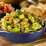Homemade Organic Guacamole and Tortilla Chips — Stock Photo
