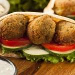 Bio falafel pita kapsy — Stock fotografie