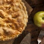 Homemade Organic Apple Pie Dessert — Stock Photo #33316815