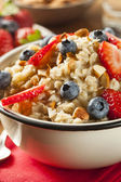 Healthy Homemade Oatmeal with Berries — Zdjęcie stockowe