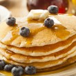 ������, ������: Homemade Buttermilk Pancakes with Blueberries and Syrup