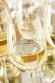 Refreshring White Wine in a Glass — Stock Photo