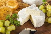 Organic Homemade White Brie Cheese — 图库照片