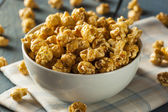 Homemade Golden Caramel Popcorn — Stock Photo