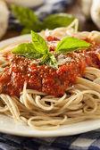 Domácí špagety s podmíněně — Stock fotografie