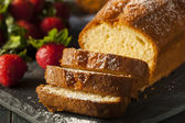 Homemade Pound Cake with Strawberries — Stockfoto
