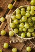Organik çiğ yeşil bektaşi — Stok fotoğraf