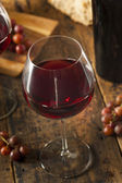 Refreshing Red Wine In a Glass — Stock Photo