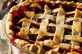 Heerlijke zelfgemaakte cherry pie — Stockfoto