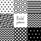 Black and white geometric seamless patterns set, vector — Stock Vector