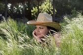 帽子かわいい若い女性 — ストック写真