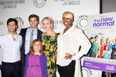 Actors Justin Bartha, Andrew Rannells, Georgia King, Bebe Wood and NeNe Leakes — Stock Photo