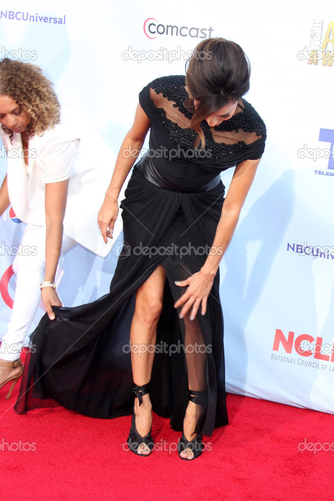 LOS ANGELES - SEP 16:  Eva Longoria arrives at the 2012 ALMA Awards at Pasadena Civic Auditorium on September 16, 2012 in Pasadena, CA — Foto de Stock   #12865674