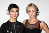 Morena Baccarin, Laura Vandervoort — Stock Photo