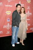 Jennifer Love Hewitt & pojkvän — Stockfoto