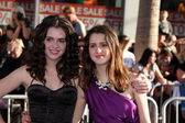 Vanessa Marano, sister — Stock Photo