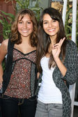 Taylor Dooley & Victoria Justice — Stock Photo