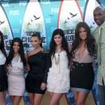 Kendall Jenner, Kourtney & Kim Kardashian, Kylie Jenner, Khloe K — Stock Photo #12924105