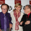 Постер, плакат: Larry King Wax figure Purple shirt Shawn Southwick King Larr
