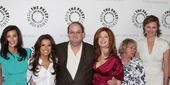 Teri Hatcher, Eva Longoria, Marc Cherry, Dana Delany, Kathyn Joo — Stock Photo