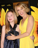 Felicity Huffman & Elle Fanning — Stock Photo