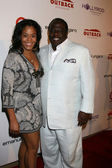 Cedric the Entertainer & wife — Stock Photo