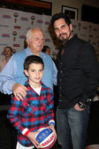 Tommy Lasorda with Don Diamont & Son — Stock Photo